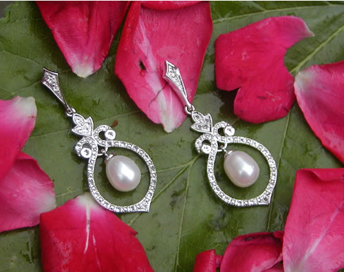 Win A Free Pair Of Blue Nile Vintage Pearl Earrings